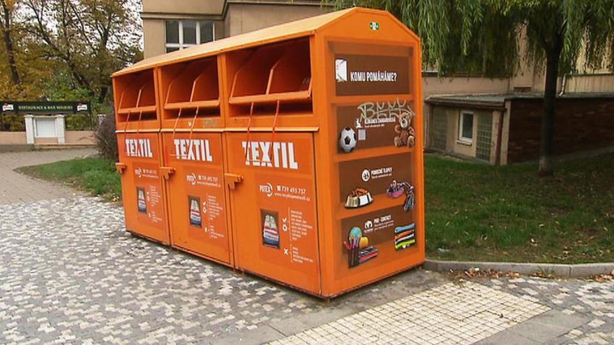 Události  Obnošené šatstvo z kontejnerů nepomáhá jen charitě d7ea4ed125