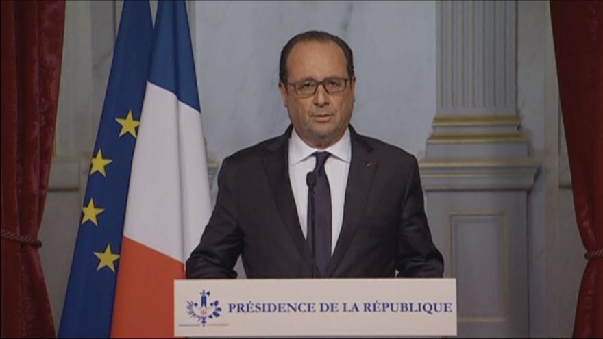 Video Francois Hollande po útocích v Paříži