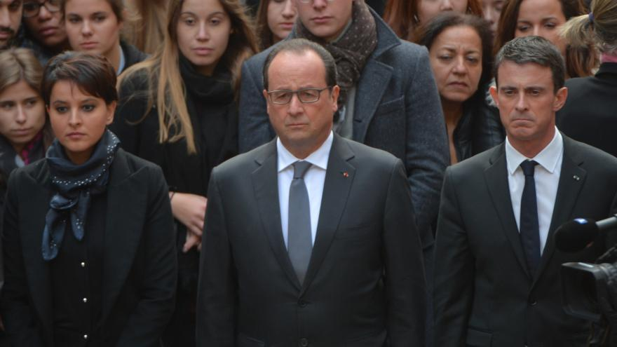 Video Francie vzpomněla minutou ticha a hymnou na oběti pařížských útoků
