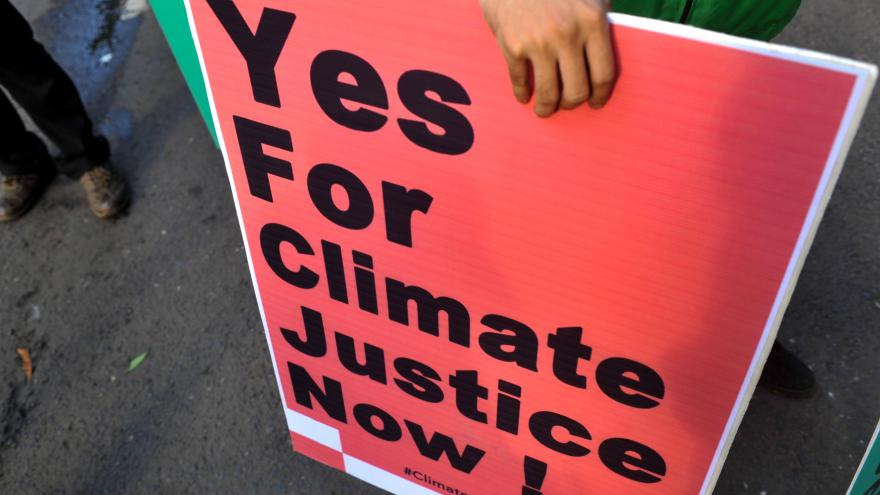 Video Události ČT: Na ratifikaci klimatické dohody už poslanci moc času nemají