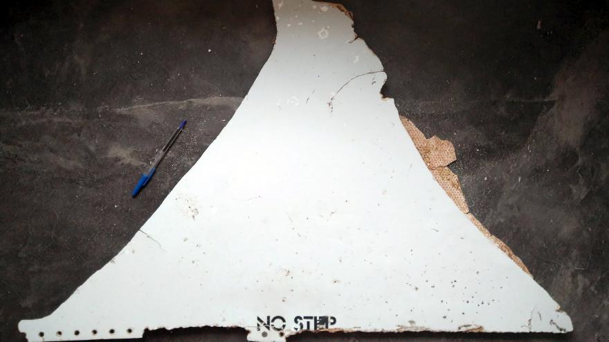 Video Nález části MH370 v Mosambiku