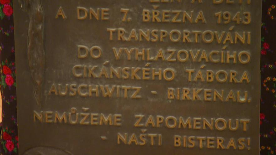 Video Bez komentáře: vzpomínka na oběti romského holocaustu