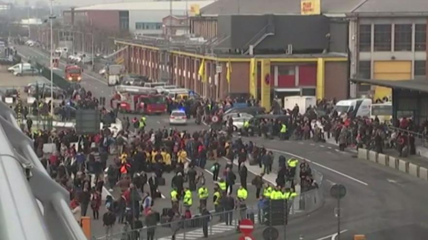 Video BEZ KOMENTÁŘE: Bruselské útoky