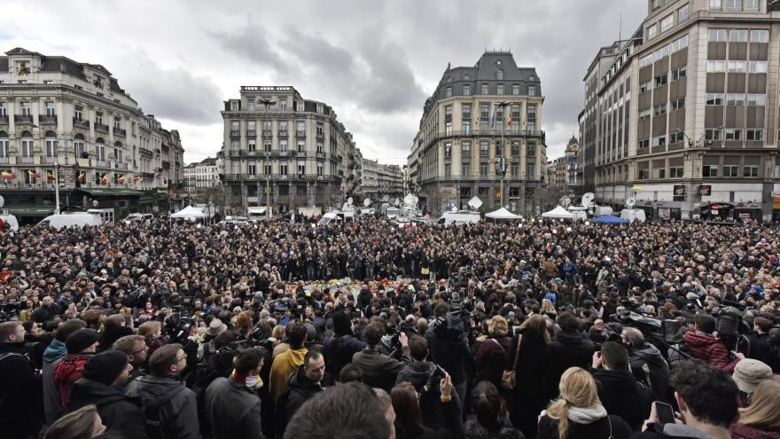 Video Minuta ticha za oběti bruselského útoku