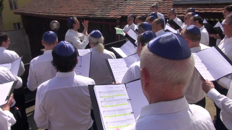 Video V Terezíně četli jména přeživších už po šestadvacáté