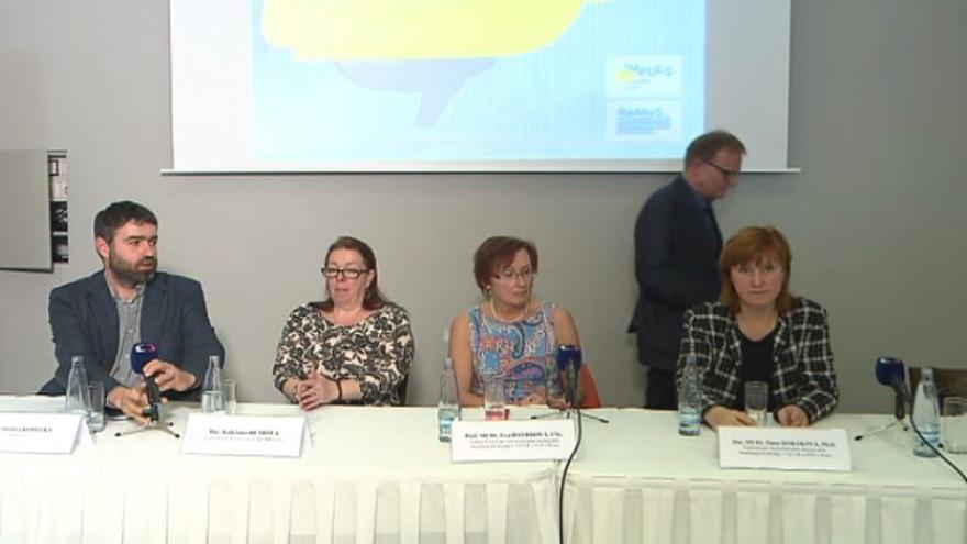 Video Tiskovka k roztroušené skleróze