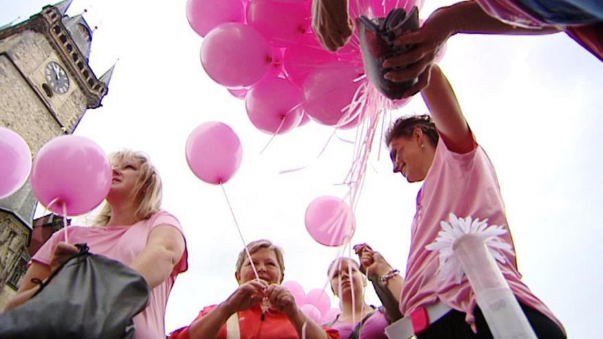 Video BEZ KOMENTÁŘE: Start Pochodu proti rakovině prsu