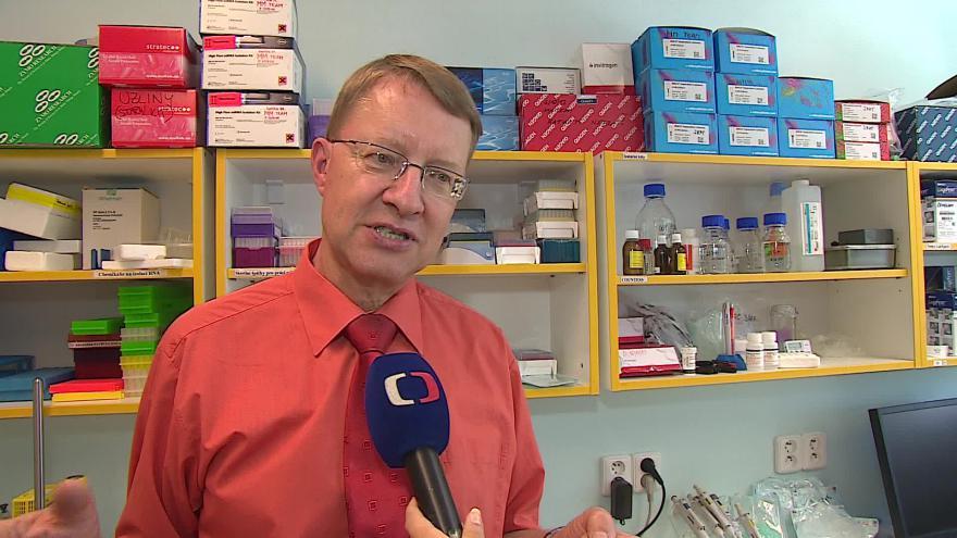 Video Přednosta Jiří Mayer hovoří o mykologických infekcích
