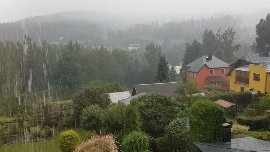 Video iReportér: V Krušných horách i třetí den po sobě bouří