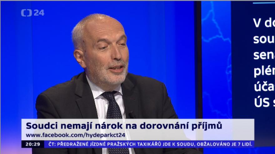 Video 90' ČT24 - Platy soudců