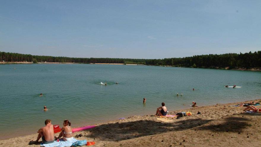 Video Slunečné počasí na jezeře Lhota