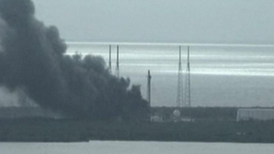 Video BEZ KOMENTÁŘE: Výbuch rakety SpaceX