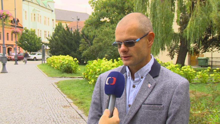 Video Lídr kandidátky Úsvitu s Blokem proti islamizaci David Kádner