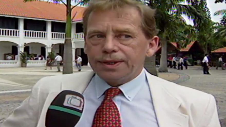 Video Havel v Singapuru