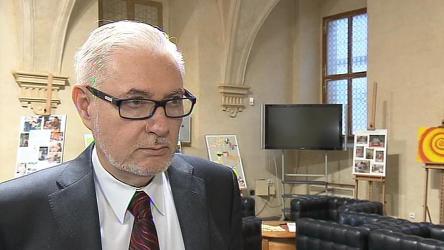 Video Senátor a lékař Peter Koliba: Pomohla by sexuální výchova