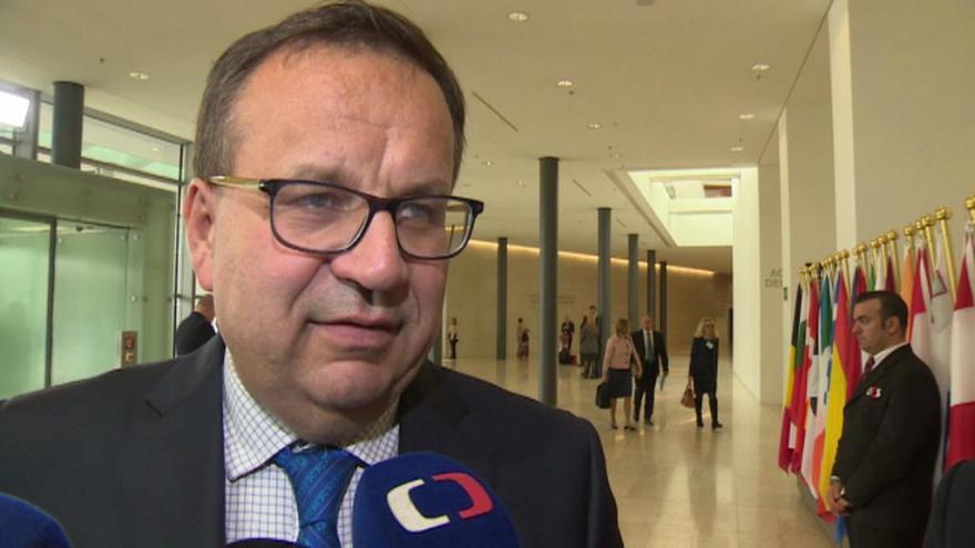 Video Ministr Mládek k jednání o dohodě CETA
