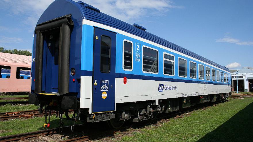 Video Opravené vagóny pro ČD