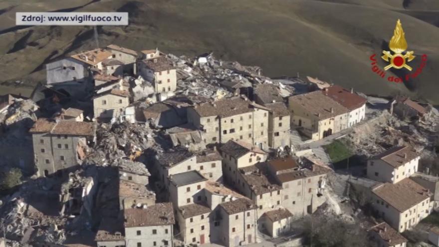 Video CASTELLUCCIO DI NARCIA: Riprese aerree e terresti paese