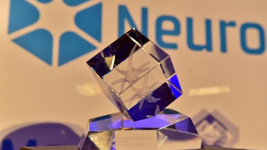 Video Cena Neuron za rozkrytí původu života