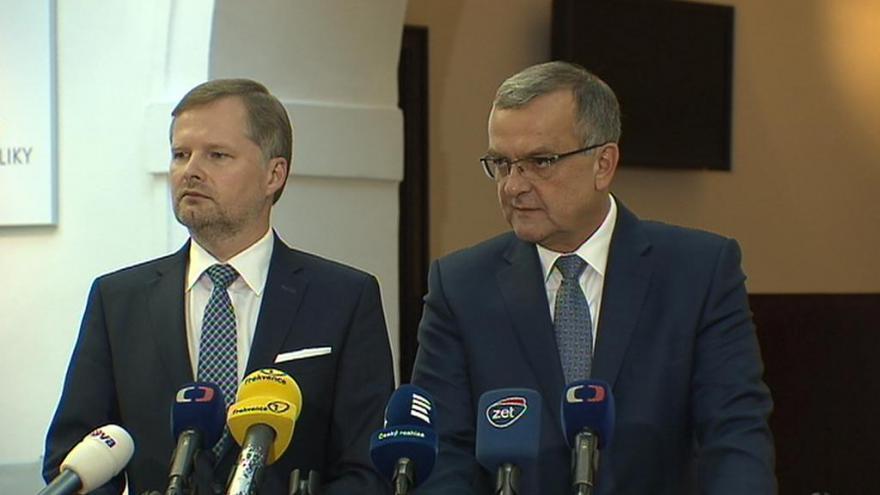 Video 90' ČT24 - Noví hejtmani a krajské koalice