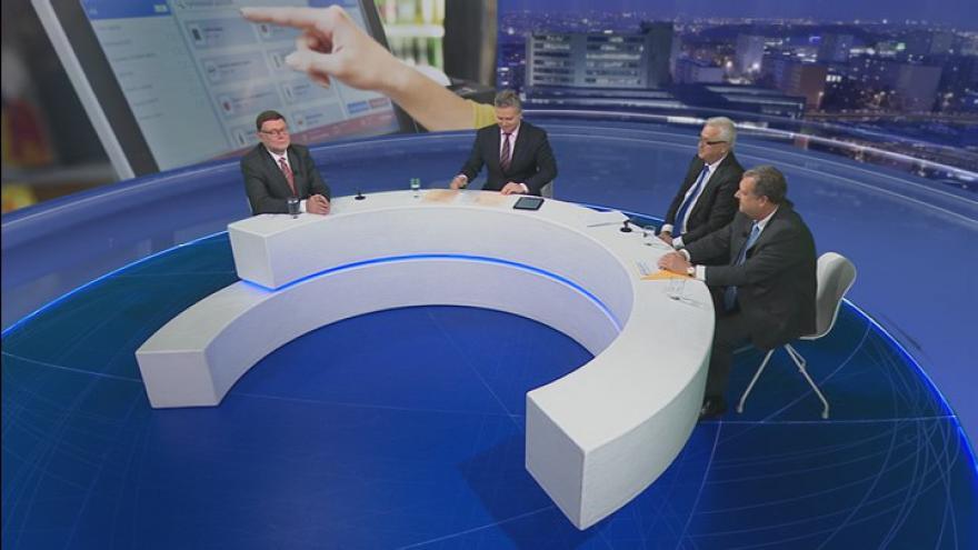 Video Události, komentáře: Poslanecká bitva o EET – Václav Votava (ČSSD), Jan Volný (ANO), Zbyněk Stanjura (ODS)