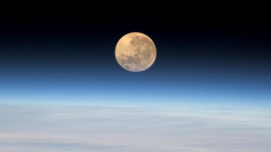 Video Astronomické události roku 2016 vysvětluje Martin Tyburec
