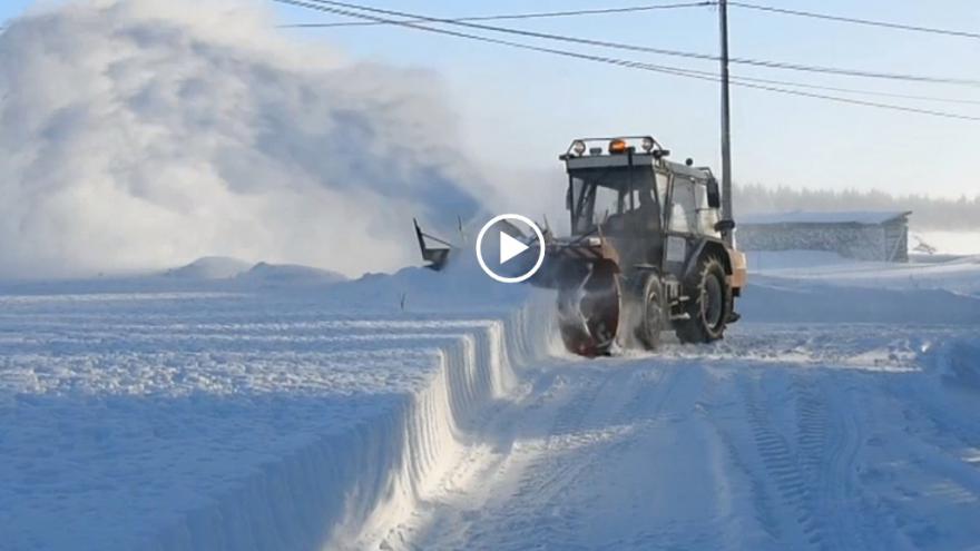 Video iReportér Jarda Fous: Sněhová fréza protahuje cesty v Krušných horách