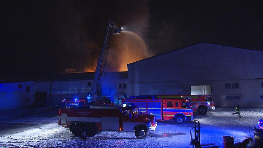 Video Požár v Kopřivnici způsobil škodu za zhruba 100 milionů