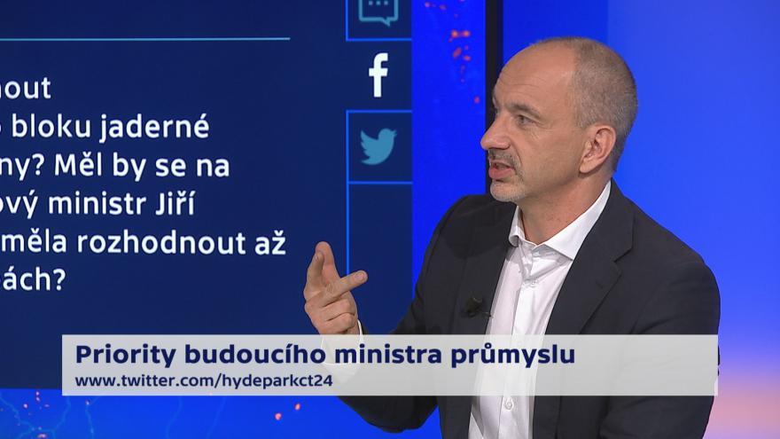 Video 90' ČT24 - Sedmá změna ve vládě. Ministrem průmyslu má být Jiří Havlíček