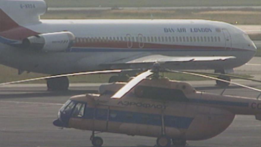 Video 1992: Vojenské vrtulníky na letišti v Ruzyni