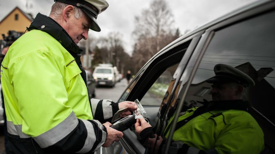 Video Události: Zahraniční řidiči v Česku trestům za přestupky unikají