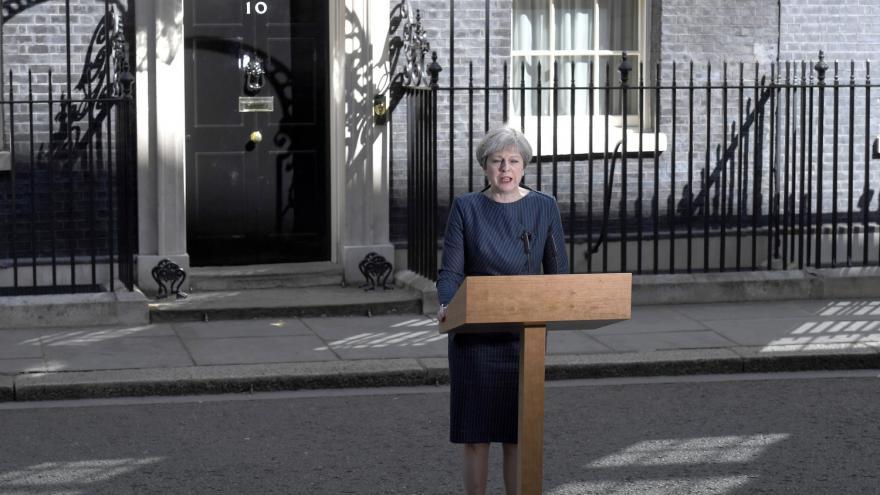 Video SLEDUJTE: Premiérka Mayová ohlašuje datum předčasných voleb