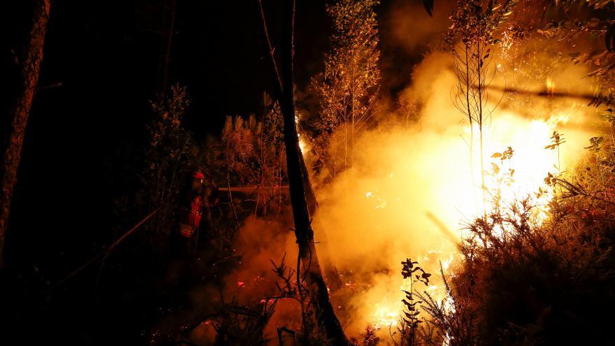 Video Požár zabil v Portugalsku šest desítek lidí