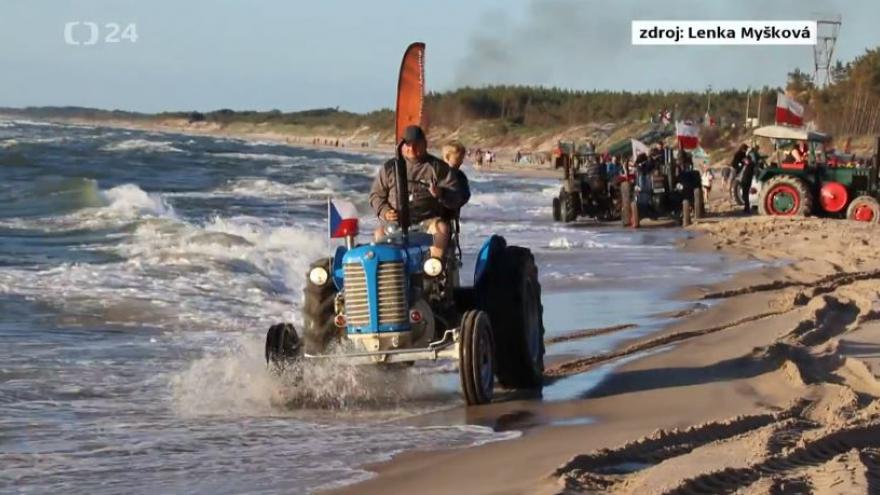 Video Na traktoru do světa
