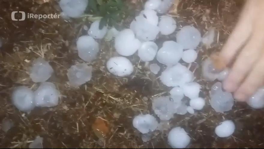 Video Velké kroupy v Mariánských Lázních