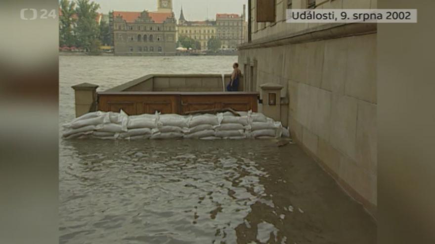 Video Povodně 9. srpna 2002: Události
