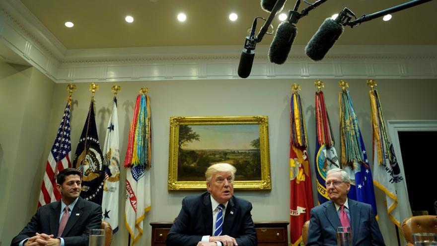 Video Trump ruší Obamův program DACA