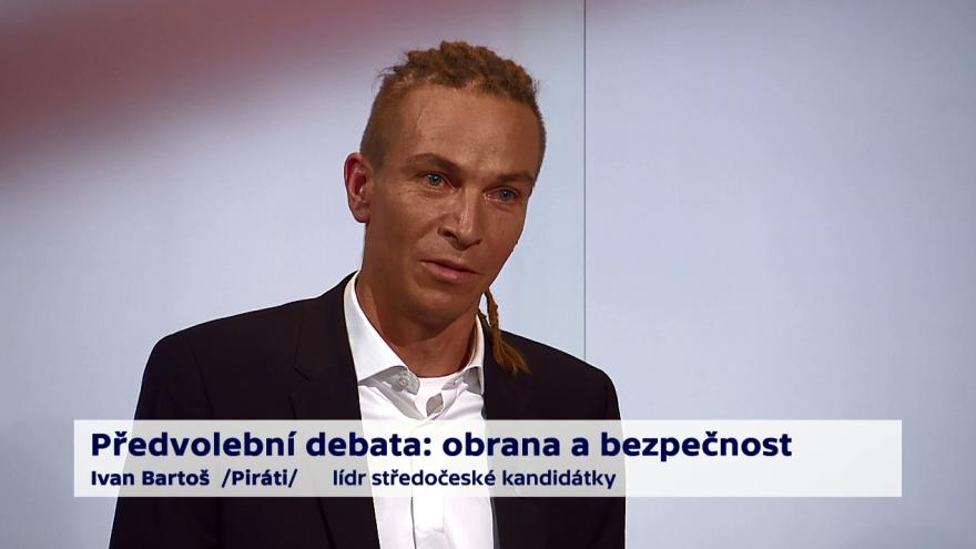 Video Bartoš o právu na držení zbraně