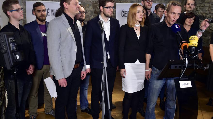 Video Povolební brífink České pirátské strany (Piráti)