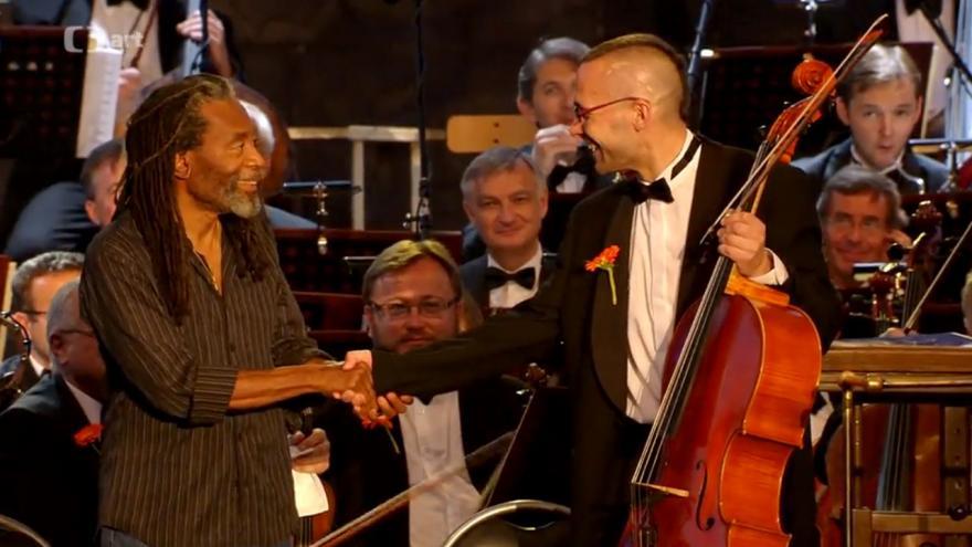 Video Bobby McFerrin a Česká filharmonie