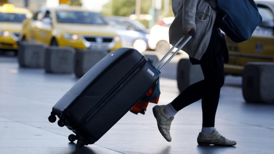 Video Události: Někteří klienti cestovních kanceláří řeší problémy s vouchery i vrácením peněz