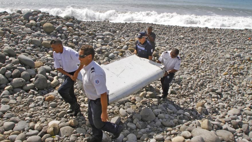 Video Kurz MH370 zřejmě někdo záměrně změnil