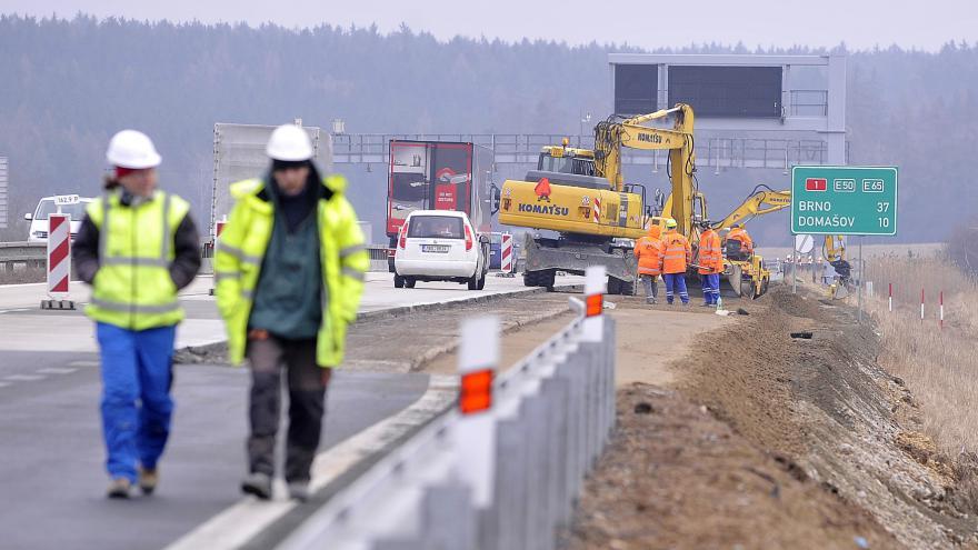 Video Sobotka: Lepší silnice by ekonomice pomohly