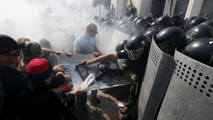 Video Události: Kyjevem během demonstrací otřásla exploze