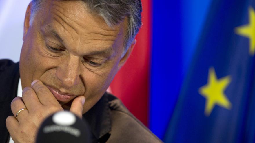 Video Zpravodaj ČT Miřejovský: Podle Orbána uprchlické kvóty nic nevyřeší