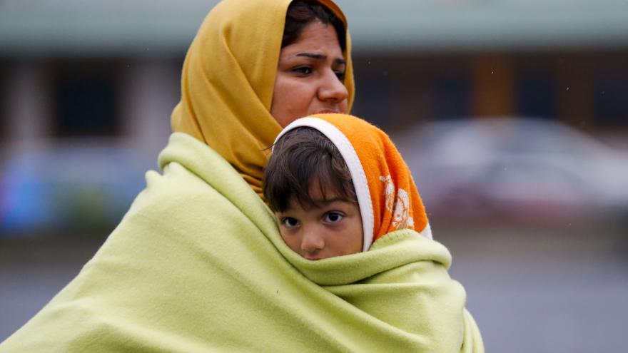 Video Zprávy v 15:00: Uprchlíci si stěžují na jednání Maďarska