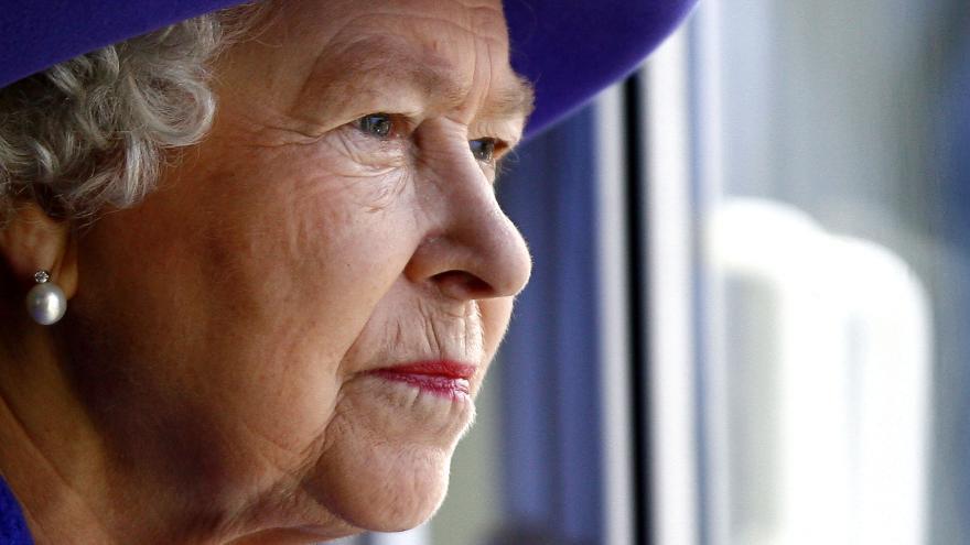 Video Události: Svět slaví - Alžběta II. překonala rekord na trůnu