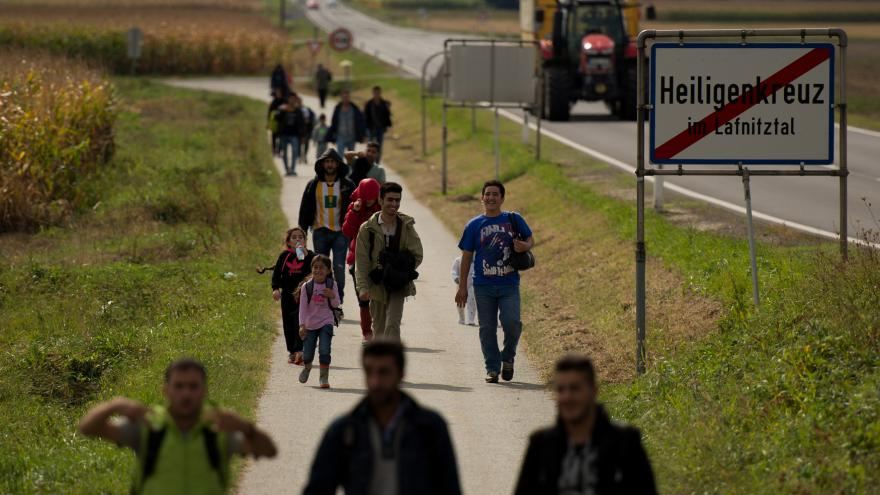 Video Uprchlická cesta na Západ přes maďarsko-chorvatské hranice