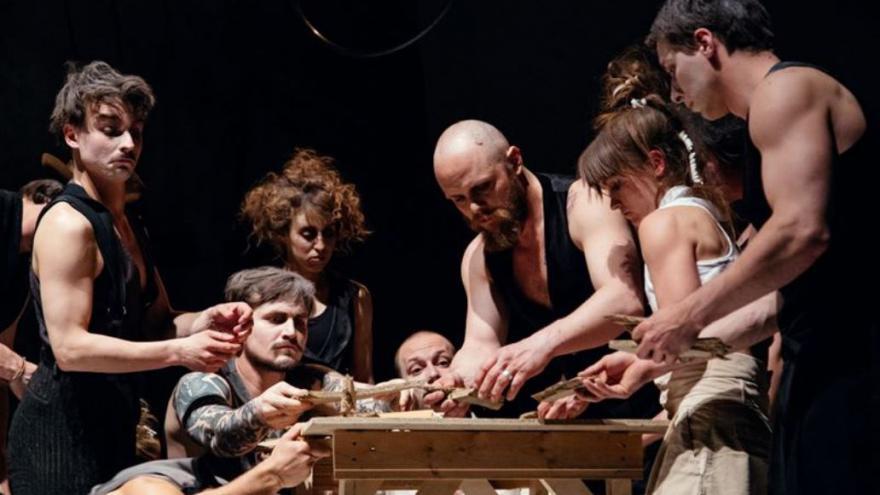 Video Největší cirkus je rodina, varuje La Putyka