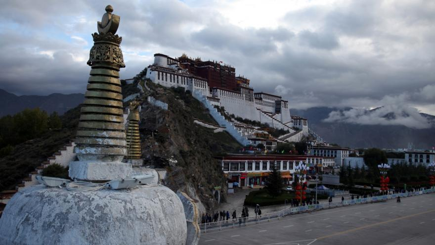 Video Sinolog k 65. výročí čínské anexe Tibetu